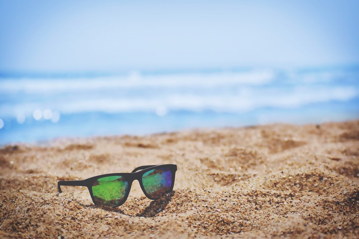 How-to-stay-safe-in-the-sun